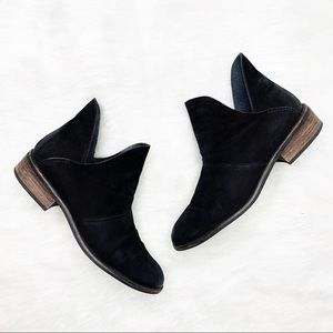 STEVE MADDEN Wila Burnished Chelsea Ankle Booties